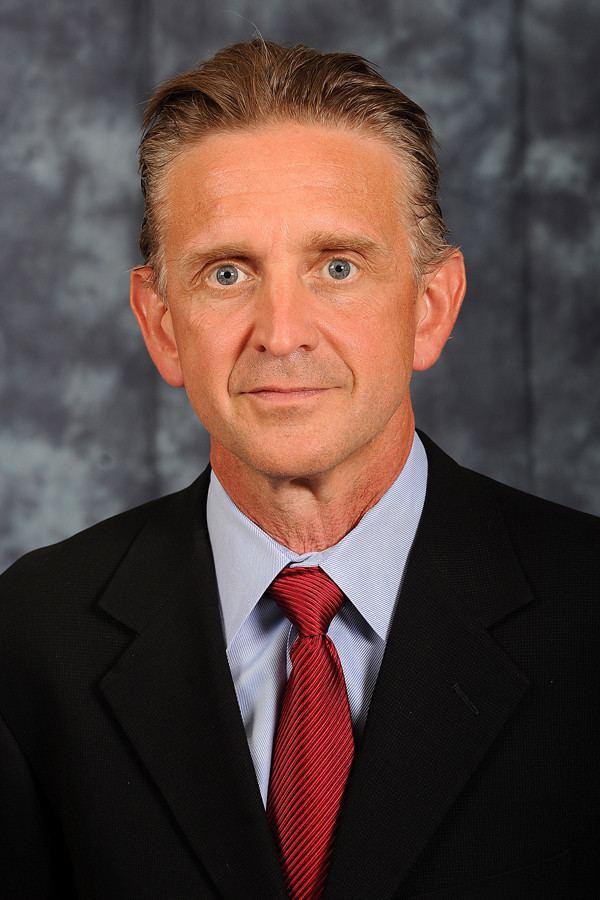 Steve McClain Steve McClain named UIC basketball coach Chicago Tribune