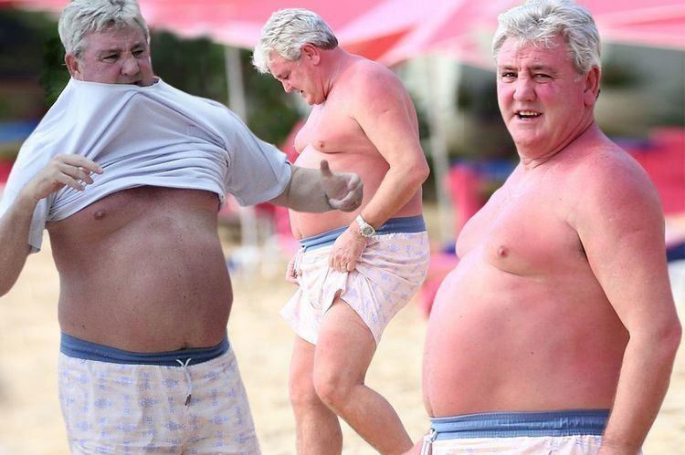 Steven Bruce Hull boss Steve Bruce has plenty up front as he goes for a
