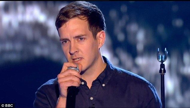 Stevie McCrorie Kym Marsh comforts daughter Emilie as she fails to get