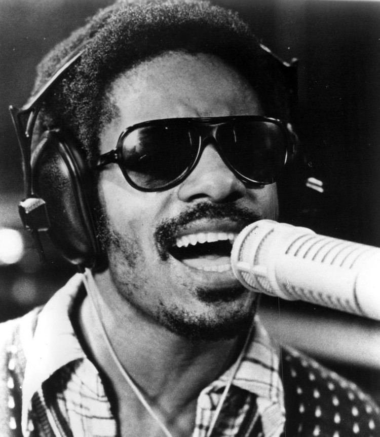 Stevie Wonder httpsuploadwikimediaorgwikipediacommons55