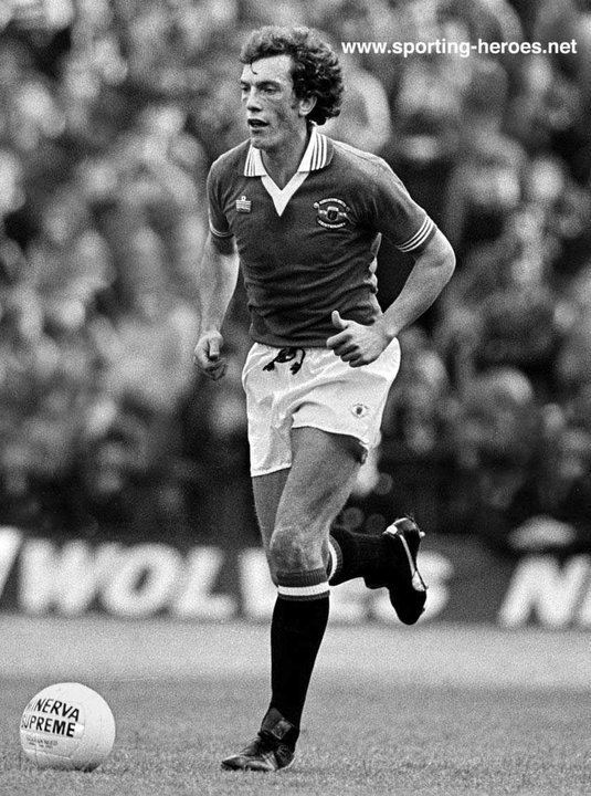 Stewart Houston Stewart HOUSTON League appearances Manchester United FC