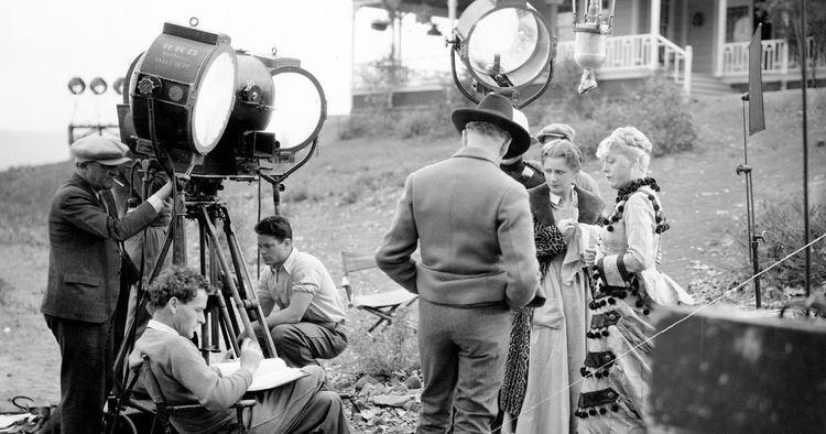 Stingaree (1934 film) The Girl with the White Parasol Movie Review Stingaree