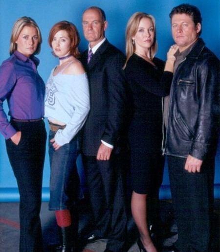 Stingers (TV series) mundoplustv Series Stingers