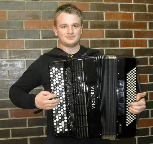 Stjepan Horvat Stjepan Horvat osvojio prvu nagradu na 54 natjecanju glazbe i plesa