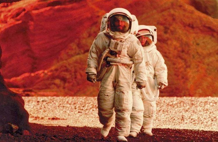 Stranded (2001 film) Say Hello Spaceman Stranded 2001
