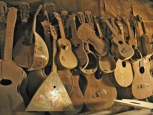 Stringed Instruments Museum farm3staticflickrcom26994455047680209fe454d8jpg