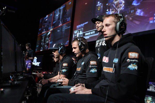 StrongSide (Halo player) Gamers For Giving Charity Gaming Event Special Guest StrongSide
