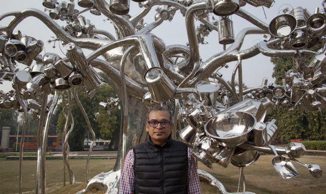 Subodh Gupta REVIEW Subodh Gupta39s Everything is Inside BLOUIN ARTINFO