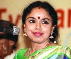 Sudha Ragunathan Padma Bhushan Smt Sudha Raghunathan Concert in Redmond High School