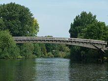 Summerleaze Footbridge httpsuploadwikimediaorgwikipediacommonsthu