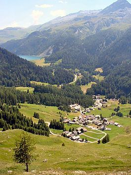 Sur, Switzerland httpsuploadwikimediaorgwikipediacommonsthu