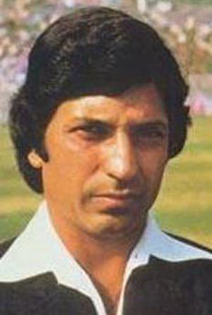 Surinder Amarnath hits sixes off last two balls to script win in