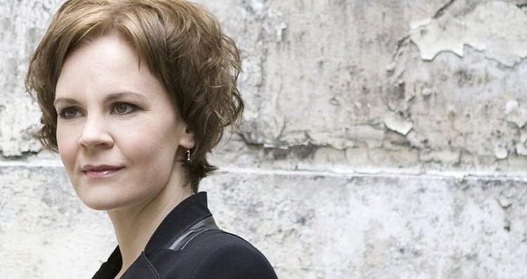 Susanna Mälkki CSO Sounds amp Stories Susanna Mlkki conducts Sibelius Stravinsky