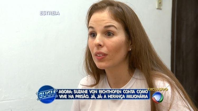 Suzane von Richthofen being interviewed in a Tv News