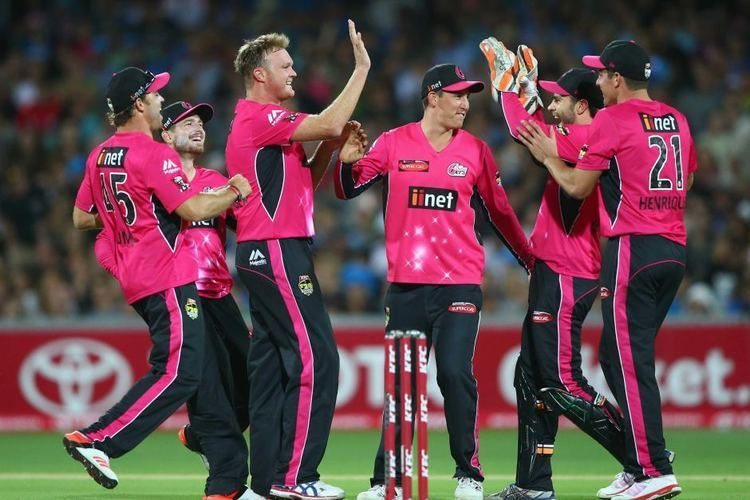 Sydney Sixers Sydney Sixers celebrate a Doug Bollinger wicket against Adelaide