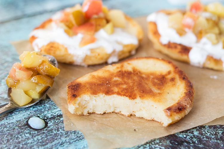 Syrniki Russian Cottage Cheese Pancakes Syrniki w Caramelized Fruit