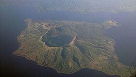 Taal Volcano httpsuploadwikimediaorgwikipediacommonsthu