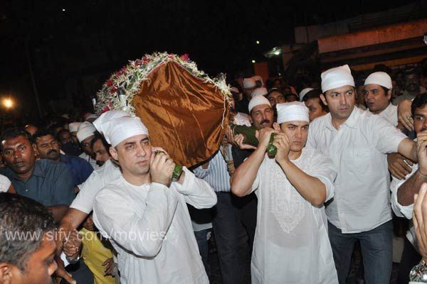 Tahir Hussain Images from Tahir Hussain39s funeral