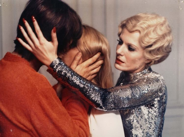 Tail Sting movie scenes Daughters of Darkness 1970