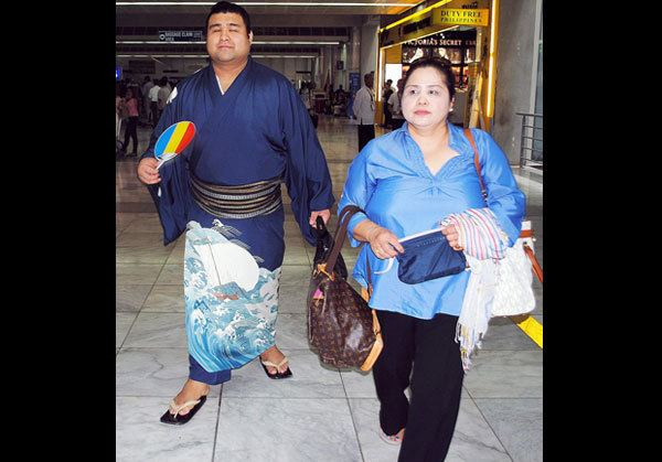 Takayasu Akira FilJapanese sumo champ parents arrive in Phl Metro News The
