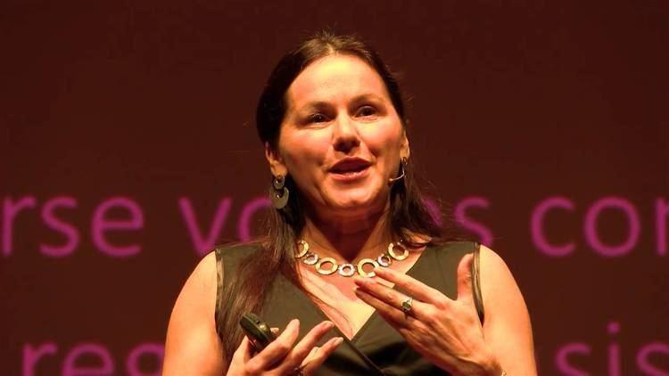 Tania de Jong How singing together changes the brain Tania de Jong AM
