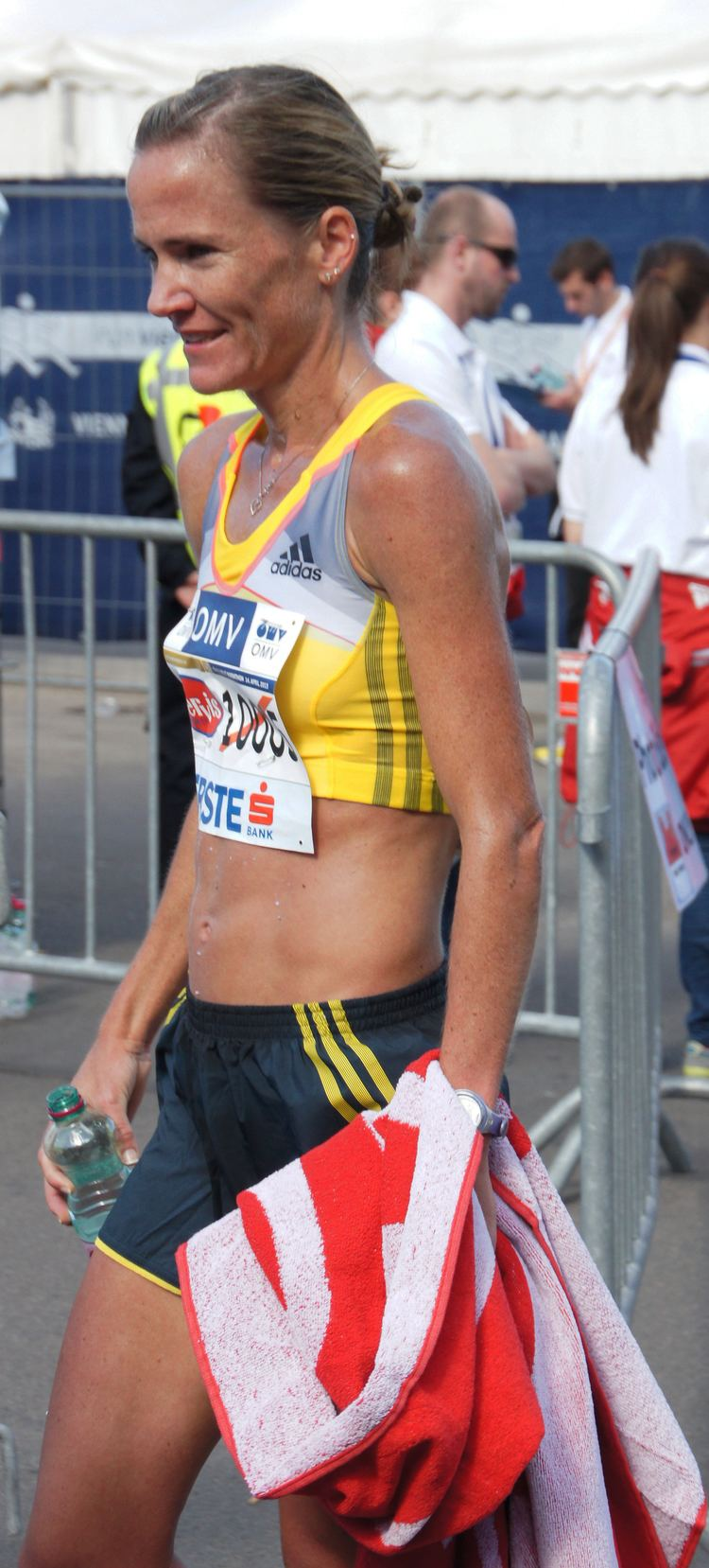 Tanith Maxwell FileVienna 20130414 Vienna City Marathon 10005 Tanith