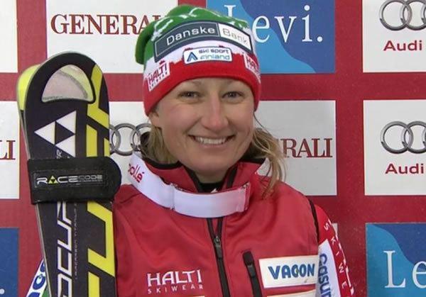 Tanja Poutiainen Tanja Poutiainen fllt mit Kreuzbandriss aus Ski Weltcup