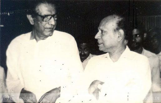 Tapan Sinha Satyajit Ray photos Tapan Sinha with Satyajit Ray