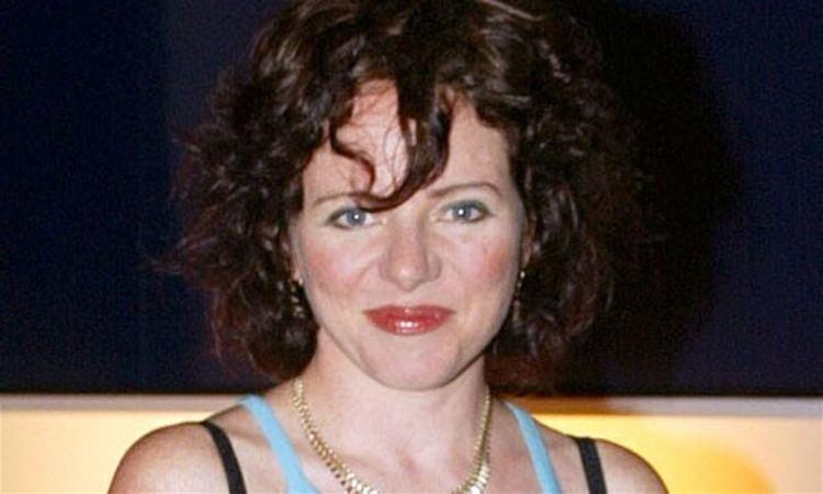 Tara Newley, The Flintstones In Viva Rock Vegas Movie ... |Tara Newley
