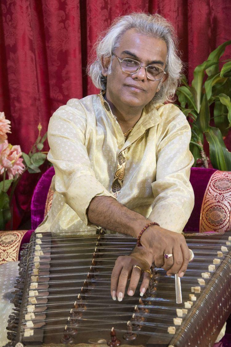 Tarun Bhattacharya Review Concert with Tarun Bhattacharya and Sandip