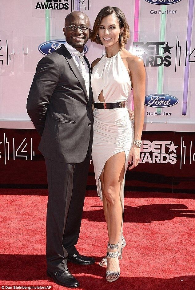 Taye Diggs Idina Menzel and Taye Diggs finally finalise their divorce Daily