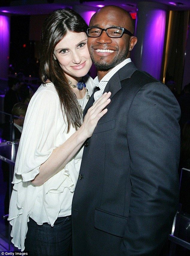 Taye Diggs Idina Menzels ex Taye Diggs holds hands with brunette on night out