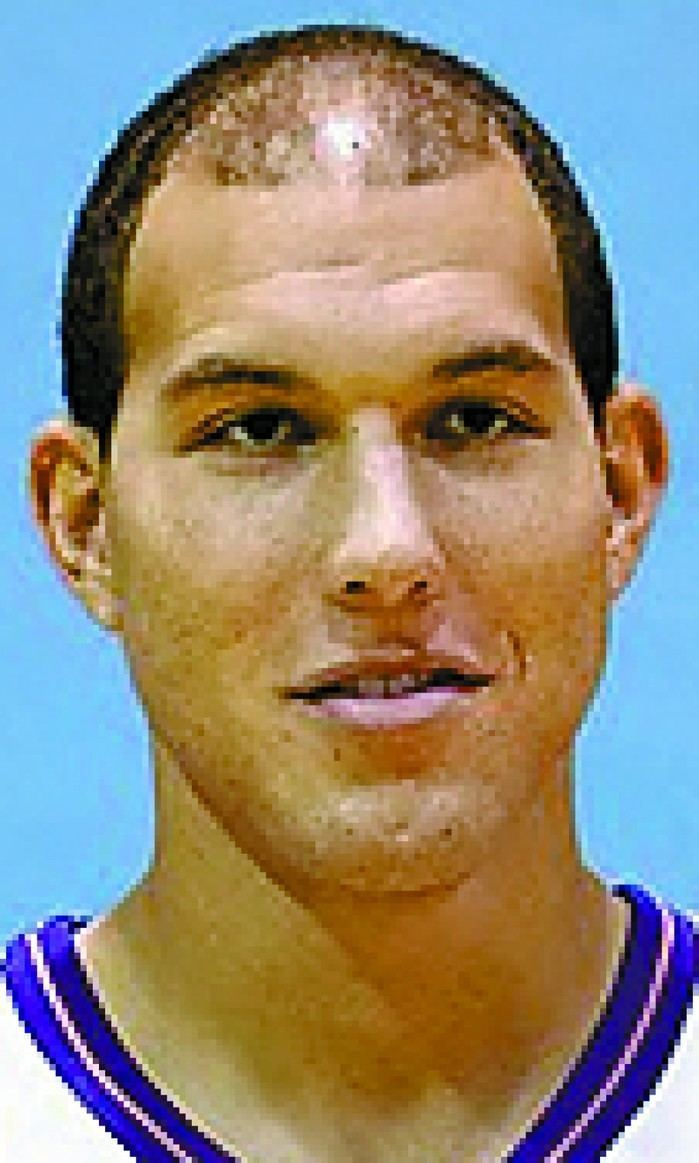 Taylor Griffin WIZARDS Dakota signs Taylor Griffin