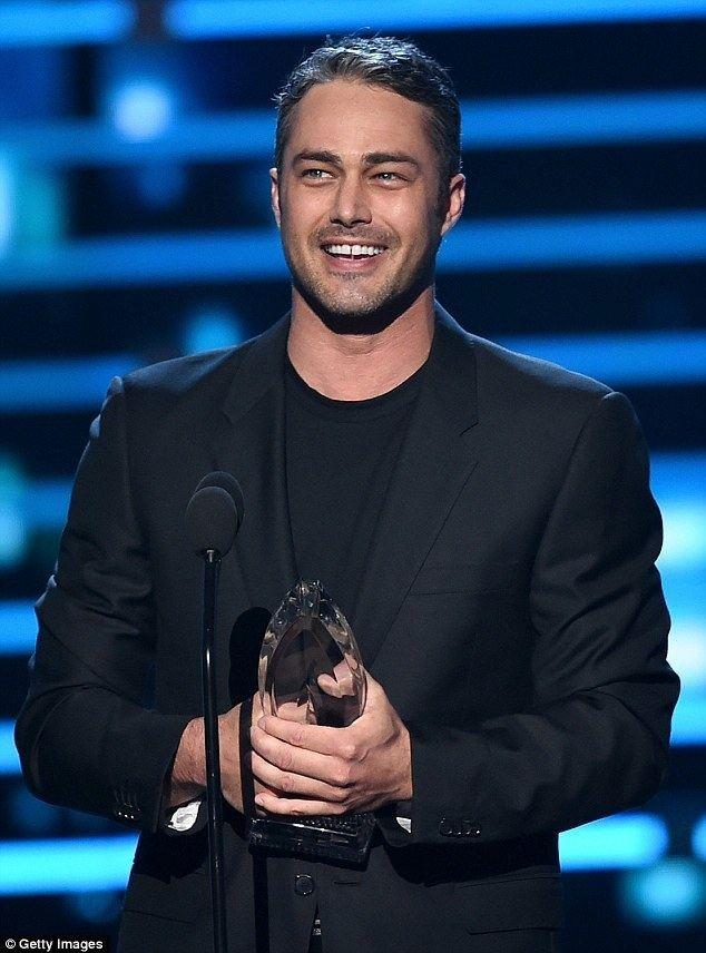 Taylor Kinney Taylor Kinney thanks fiance Lady Gaga at Peoples Choice Awards