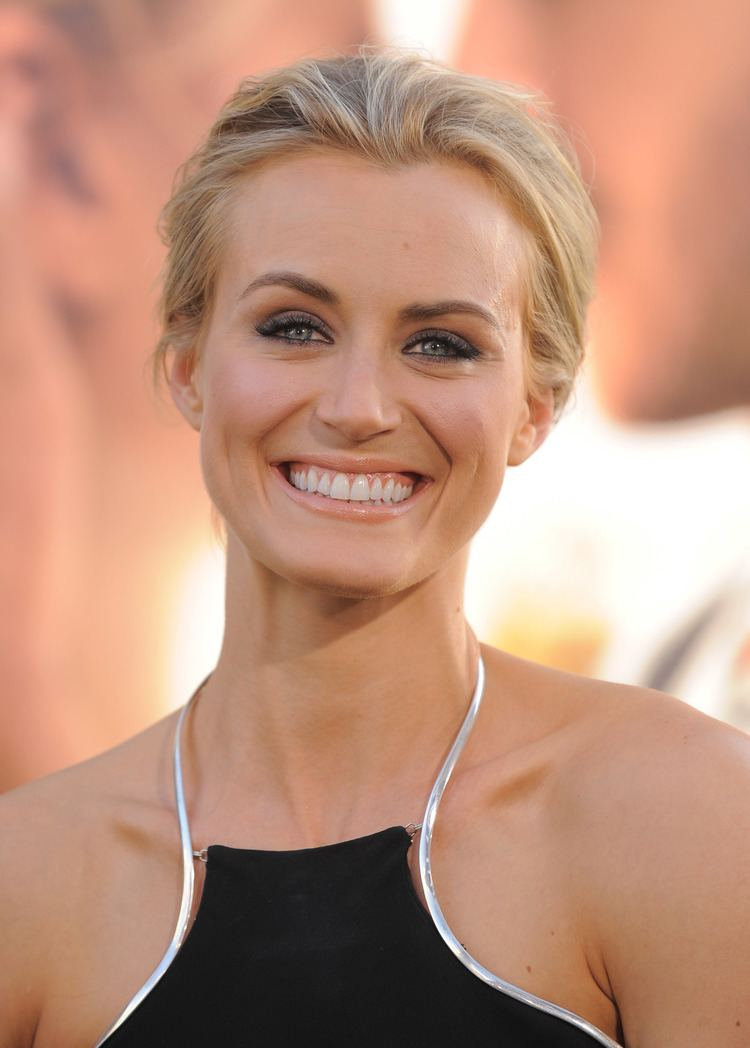 Taylor Schilling Taylor Schilling attended the premiere for The Lucky One