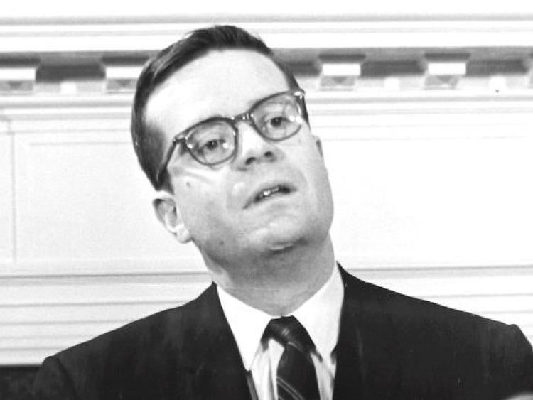 Ted Sorensen (politician) Ted Sorensen JFK39s beloved speechwriter and aide dies at
