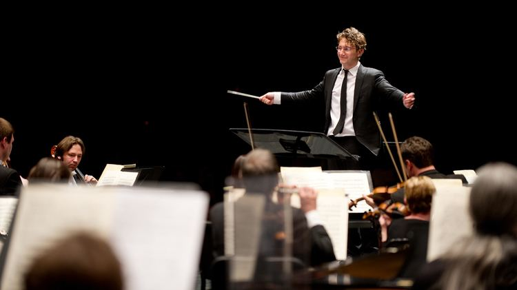 Teddy Abrams In Louisville A Young Conductor Seeks To Challenge And Delight