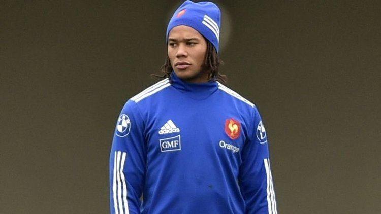 Teddy Thomas (rugby union) France axe Teddy Thomas for Maxime Medard to face