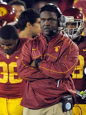 Tee Martin Tee Martin rejects Vols coaching offer to stay at USC SIcom