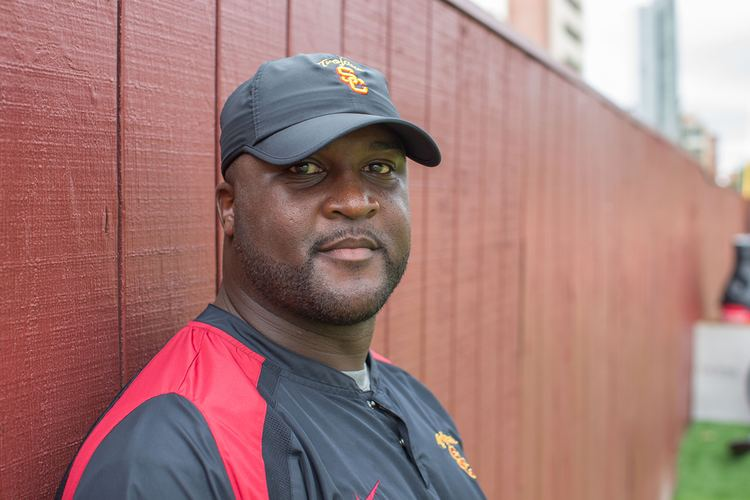 Tee Martin USC Receivers Coach Tee Martin Is A Players Coach Los Angeles
