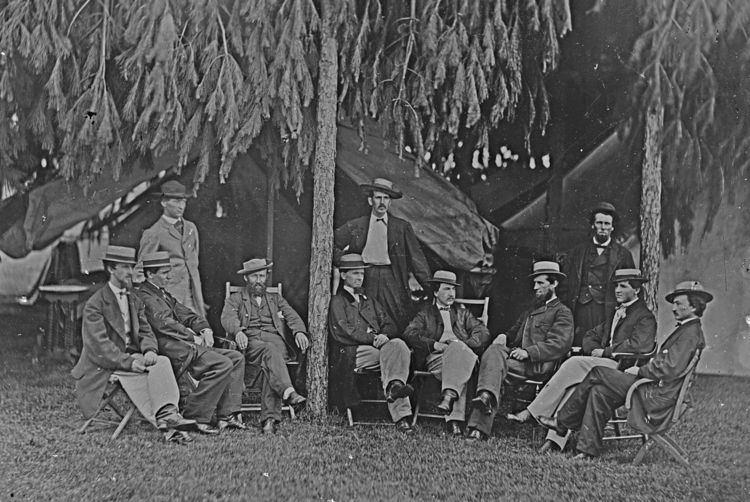 Telegraph troops