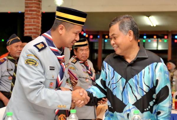 Tengku Muhammad Ismail T E G A N U K I TA Kerajaan sedia RM10 juta bina Kem Pengangkap