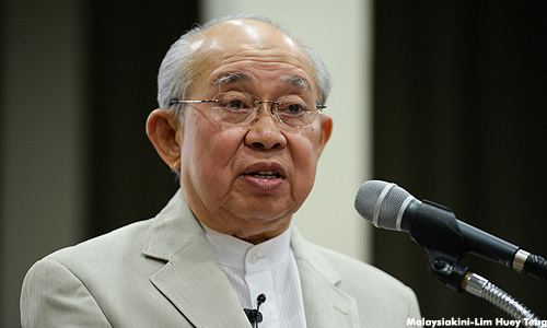 Tengku Razaleigh Hamzah Tengku Razaleighs Speech at the launching of Rich Malaysia Poor