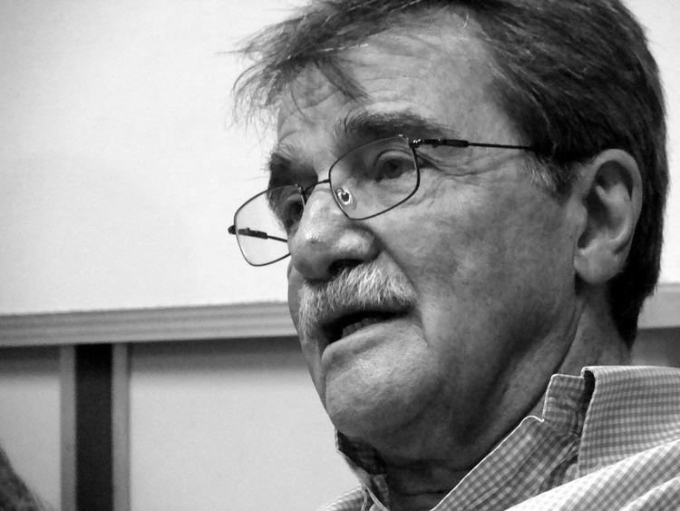 Teodoro Petkoff Teodoro Petkoff afirma que demanda en su contra persigue