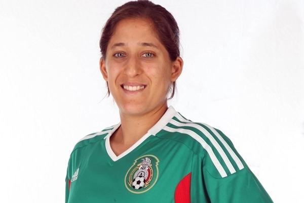 Teresa Noyola Gana Teresa Noyola el trofeo Hermann Futbol Mxico