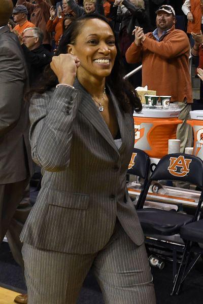 Terri Williams-Flournoy Coachs Chair Terri WilliamsFlournoy Auburn University Womens
