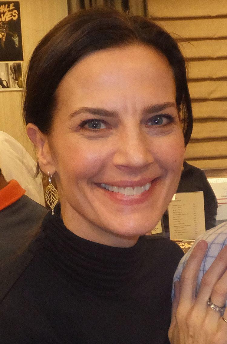 Terry Farrell (actress) httpsuploadwikimediaorgwikipediacommonscc