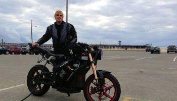 Terry Hershner Terry Hershner remporte la deuxime place un rallye de motos