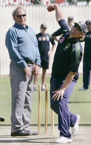 Shane Warnes mentor Terry Jenner passes away Rediff Cricket