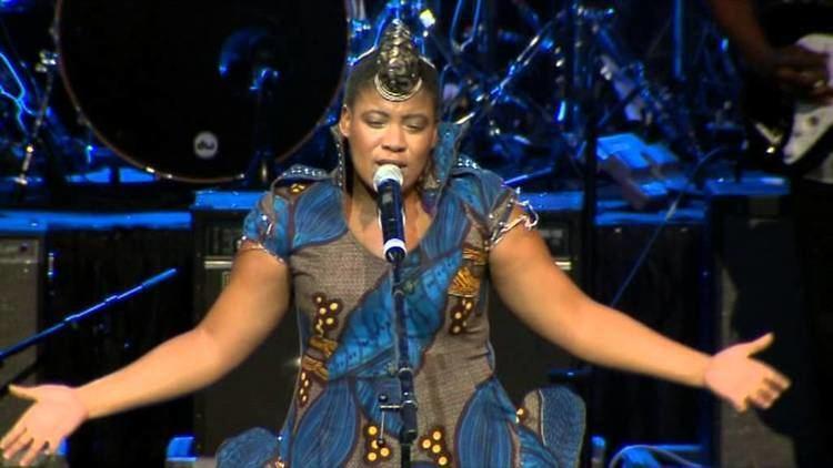 Thandiswa Mazwai Thandiswa Mazwai Nizalwa Ngobani LIVE YouTube